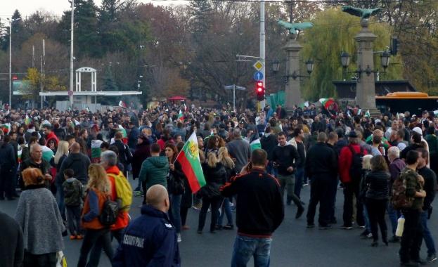Защо властта и самият Борисов са изненадани от протестите?